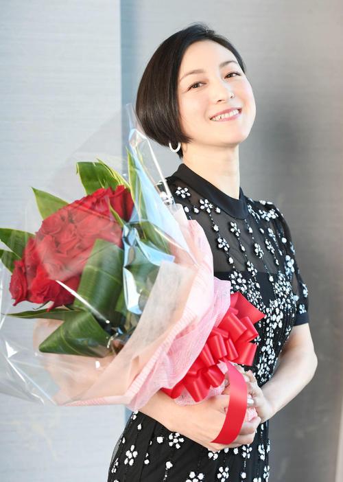 きれいでかわいらしく、大人なのにあどけない。広末涼子の魅力は増すばかり(撮影・山崎安昭)
