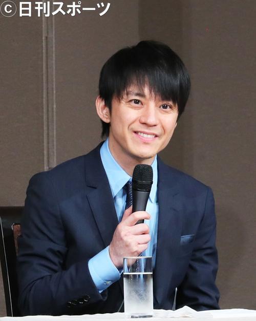 笑顔を見せながら、関ジャニ∞への思いを語った渋谷すばる(撮影・足立雅史)