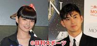 秋元梢(左)と松田翔太