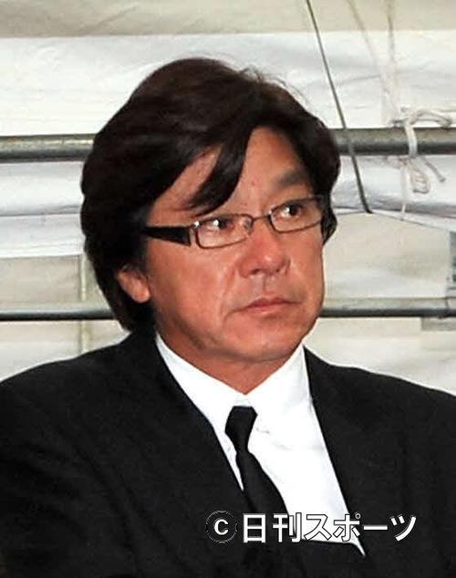 11年5月24日、長門裕之さん葬儀で弔問に訪れた西城秀樹さん