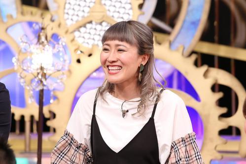 日本テレビ系で13日放送の「1周回って知らない話」で、過去の恋愛事情を赤裸々に語る丸山桂里奈(C)日本テレビ