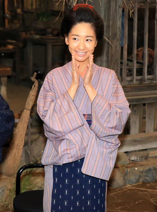 大河ドラマ「西郷どん」の新出演者発表に笑顔で登場した柏木由紀(撮影・浅見桂子)
