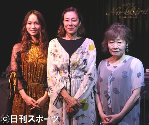 映画「食べる女」のトークイベントに出席した、左からLeola、RIKACO、原作の筒井ともみ氏