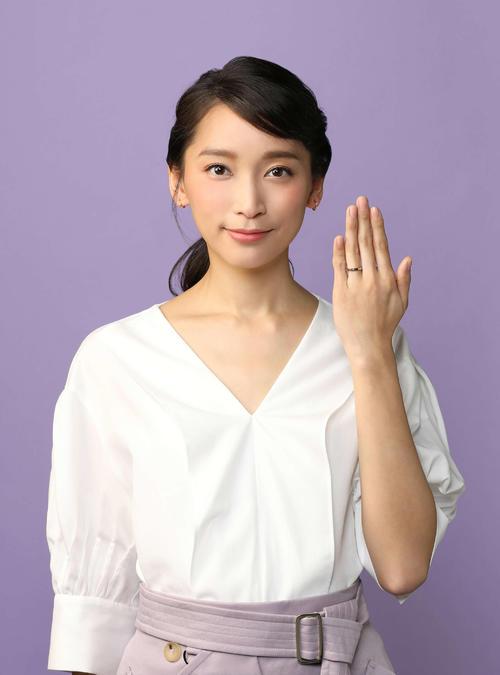 日本テレビ系7月期「偽装不倫」の主演で、4年ぶりに連続ドラマに出演する杏