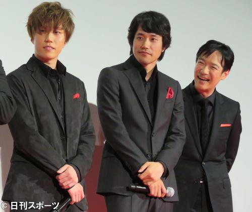 アニメ映画「プロメア」の完成試写会に出席した、左から早乙女太一、松山ケンイチ、堺雅人