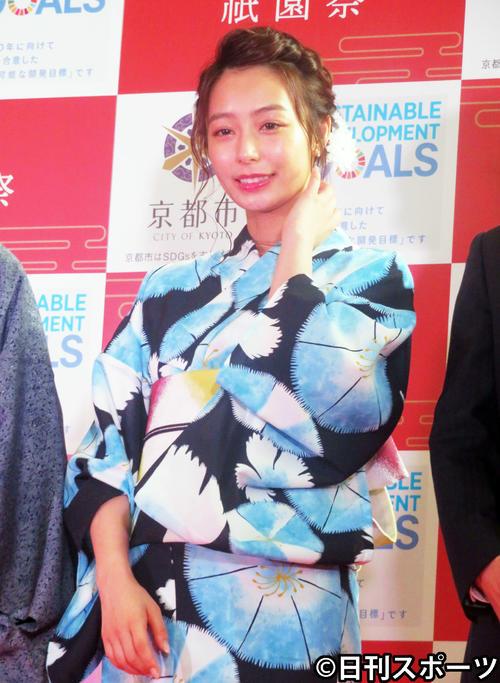 「祇園祭PR大使」に任命され、浴衣姿で登場した宇垣美里(撮影・大井義明)