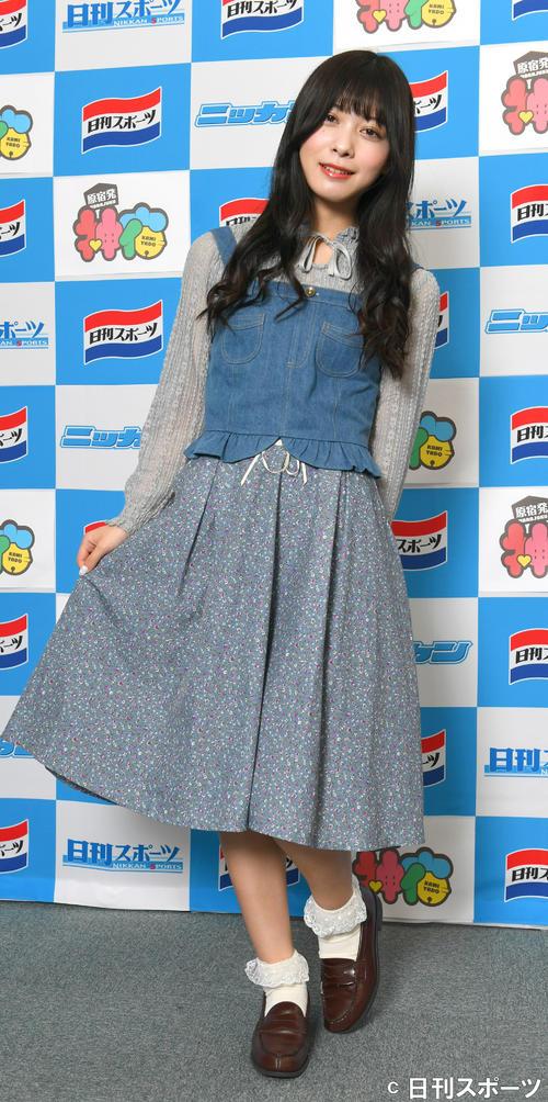 原宿発の5人組アイドルユニット「神宿」。サッカー少女の羽島めい