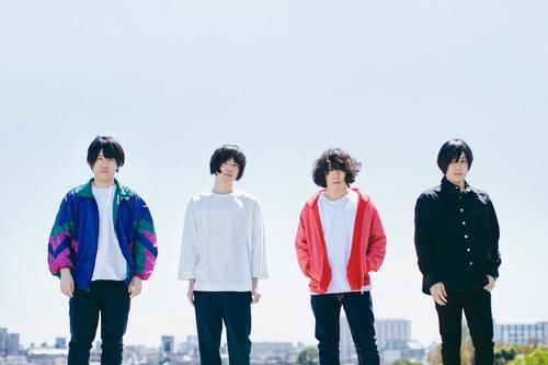 4人組ロックバンドのKANA-BOON。左から2人目が飯田祐馬
