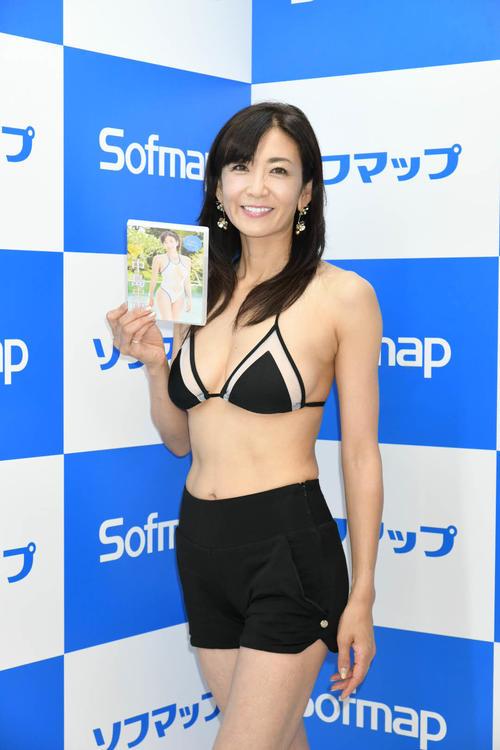 DVDの発売記念イベントを行った中島史恵