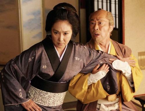 BS-TBSの時代劇「水戸黄門」で共演した浅野温子(左)と武田鉄矢(C)BS-TBS