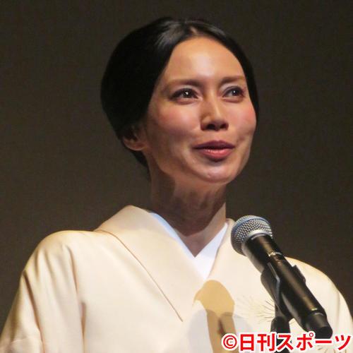 「フランス映画祭2019 横浜」レッドカーペット&オープニングセレモニーに出席した中谷美紀(2019年6月20日撮影)