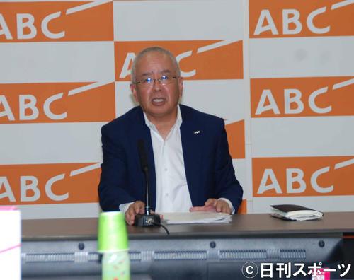 会見した朝日放送テレビの山本晋也社長(撮影・松浦隆司)