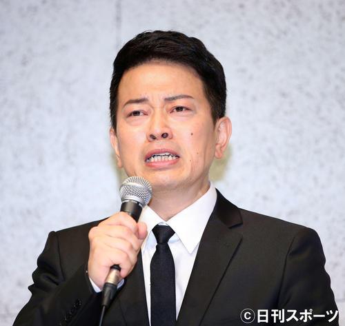 謝罪会見で吉本興業契約解消までの経緯を説明する宮迫博之(撮影・河田真司)
