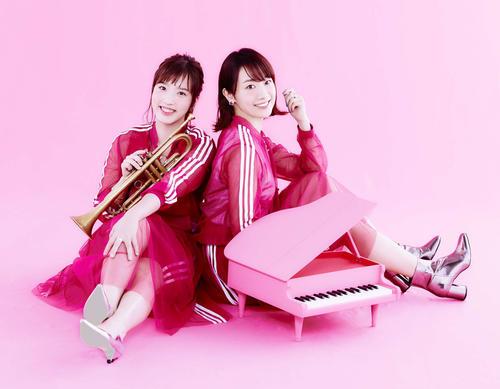 ジャズ界の美人デュオ「村田中」の村田千紘(左)と田中菜緒子