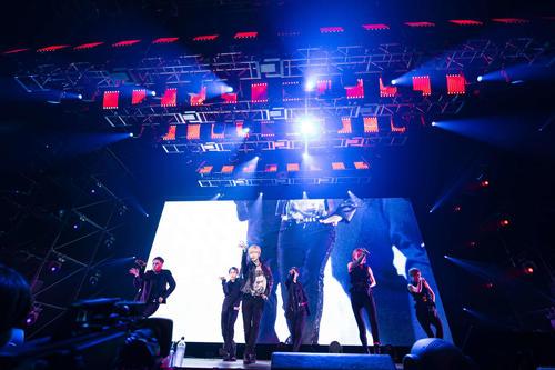 初の全国アリーナツアー最終公演を行ったSHINeeのテミン