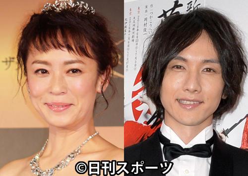 佐藤仁美(左)と細貝圭