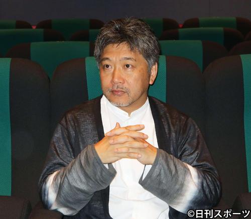 ベネチア映画祭のオープニング作品に選ばれた「真実」について語る是枝裕和監督(撮影・小林千穂)