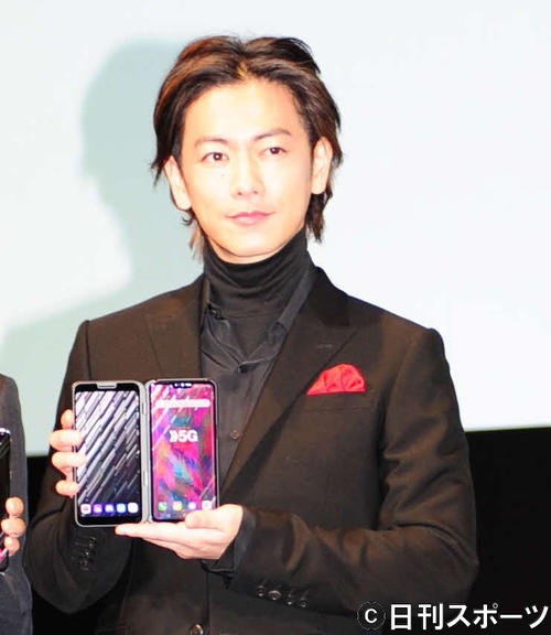 NTTドコモの5Gプレサービス発表会に参加した佐藤健(撮影・松本久)