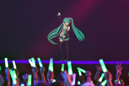 バーチャルキャラクターによる音楽フェス「VIVE XR FESTIVAL」に登場した初音ミク