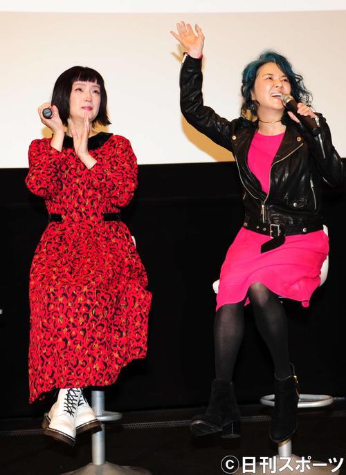 イベントに登壇した千秋(左)とNOKKO(撮影・松本久)