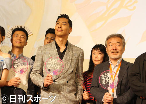 「高雄国際映画祭」出席したEXILE AKIRA(中央)