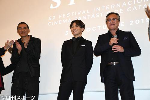 「シッチェス・カタロニア国際映画祭」での映画「ダンシング・マリー」のワールドプレミアに出席した、左からSABU監督、EXILE NAOTO、石橋凌(撮影・大友陽平)