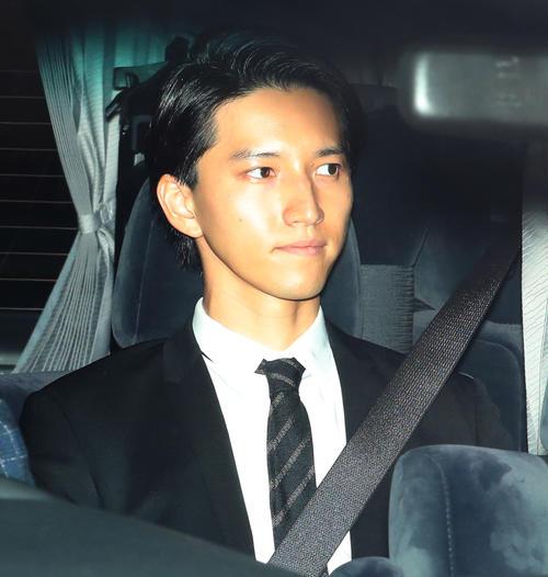 判決公判のため東京地裁に入る田口淳之介被告(撮影・大野祥一)