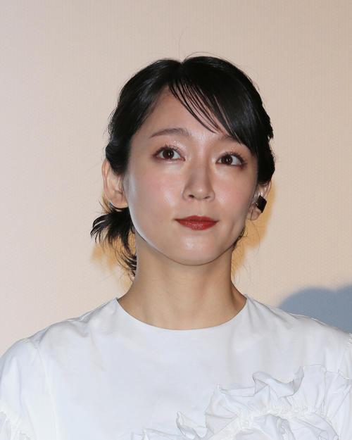 吉岡里帆(撮影・中島郁夫)