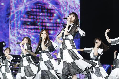 2年連続で上海公演を開催した乃木坂46。手前中央は齋藤飛鳥