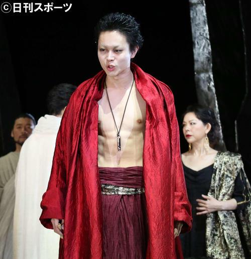 舞台「カリギュラ」に出演する菅田将暉