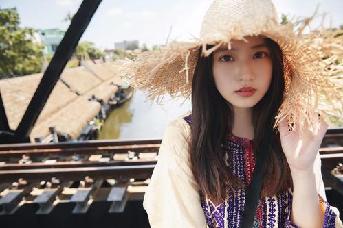 今田美桜セカンド写真集の先行カット