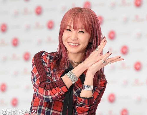 第70回NHK紅白歌合戦の発表会見で笑顔を見せるLiSA(撮影・加藤諒)