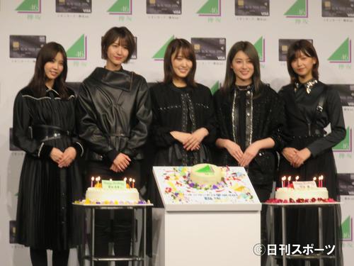 イオンカード「欅坂46」誕生記念イベントに出席した左から小林由依、土生瑞穗、菅井友香、守屋茜、渡辺理佐