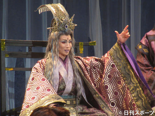 https://www.nikkansports.com/entertainment/news/img/201911280000400-w500_1.jpg