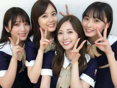 乃木坂46の(左から)与田祐希、生田絵梨花、白石麻衣、遠藤さくら