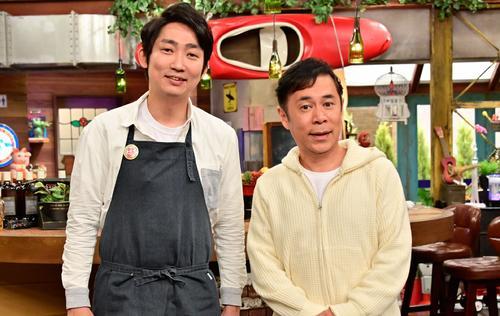 田村亮に代わって「おかべろ」で、岡村隆史の2代目相棒に就いた石田明(左)