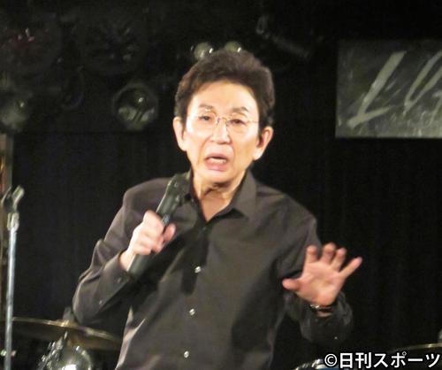 トークライブ「戯言(ざれごと)」を行った古舘伊知郎