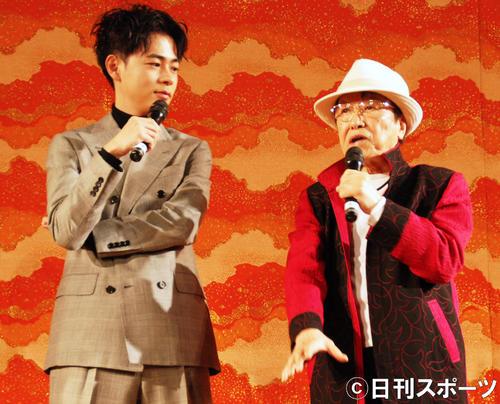 「しゃべくり」対決をした成田凌(左)、浜村淳(撮影・松浦隆司)