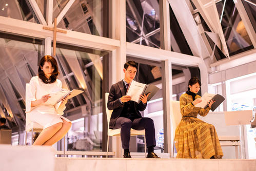 朗読会に参加したTBSの、左から堀井美香アナ、国山ハセン・アナ、山本恵里伽アナ