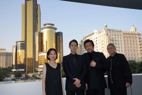 マカオ映画祭に参加した、左からベッキー、窪田正孝、内野聖陽、三池崇史監督