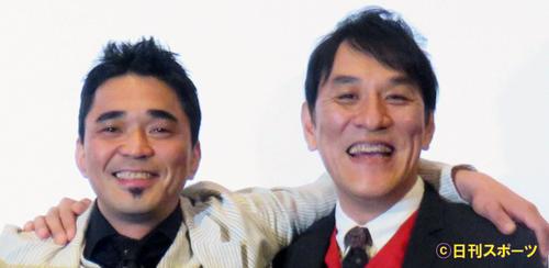 電気グルーヴの石野卓球(左)とピエール瀧(2015年12月26日撮影)