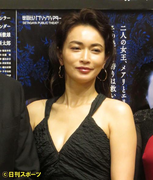 「メアリ・スチュアート」会見で主演の長谷川京子