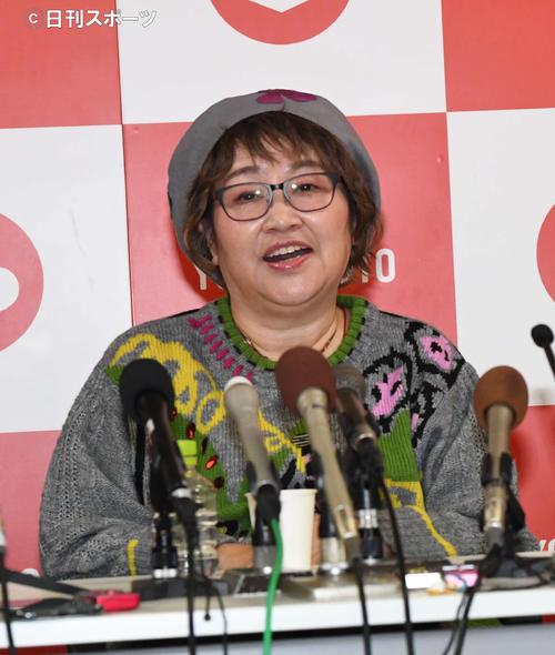笑顔の宮川花子(撮影・前岡正明)