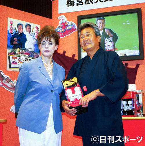妊娠5ヶ月のアンナの様子を語った梅宮辰夫さん、クラウディアさん夫妻