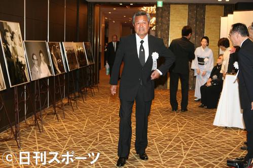 09年、鶴田浩二を偲ぶ会に出席した梅宮辰夫さん