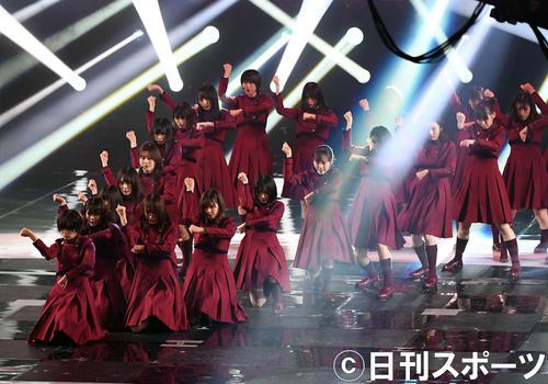 第70回NHK紅白歌合戦 「不協和音」を熱唱した欅坂46(撮影・横山健太)
