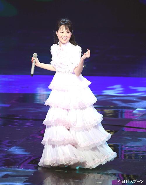 「Seiko Best Single Medley」を歌い上げる松田聖子(撮影・横山健太)