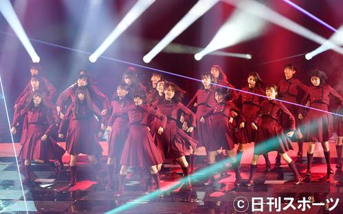 紅白歌合戦リハーサルで「不協和音」を熱唱する欅坂46(撮影・横山健太)