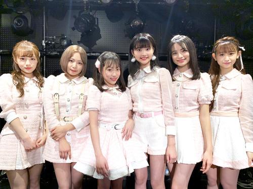 初の単独フリーイベントを行ったAnge et Folletta(アンジュ エ フォレッタ)。左からMika、Aoi、Miyuu、Rena、Kotomi、Minami