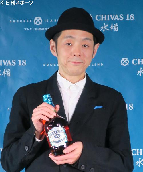 「シーバスリーガル18年ミズナラ カスクフィニッシュ」の発表イベントに出席した脚本家宮藤官九郎氏